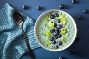 spiruline avec fruits et kiwi